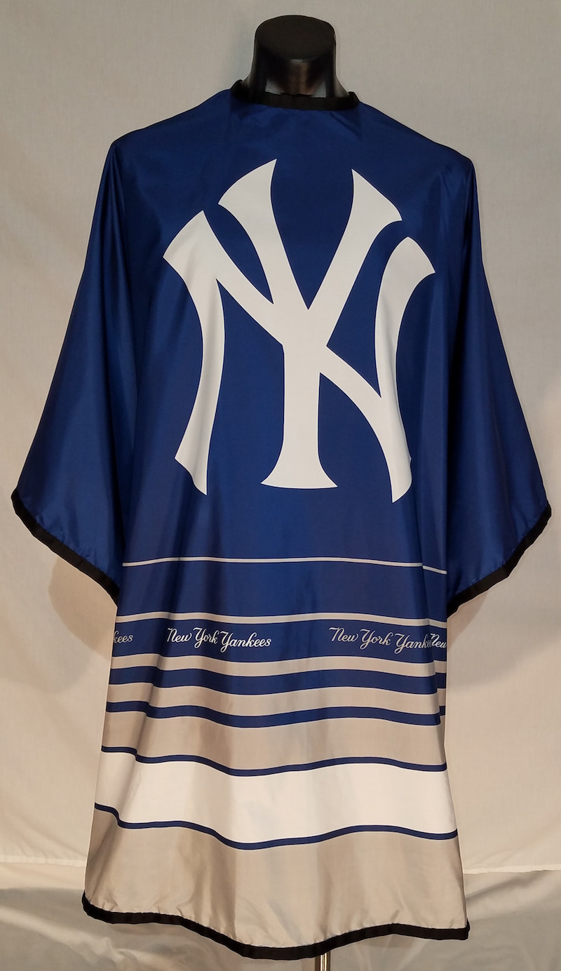 MLB Licensed New York Yankees Cutting Cape