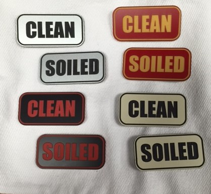"""CLEAN"" PLASTIC LABELS BLACK/WHITE 8472"