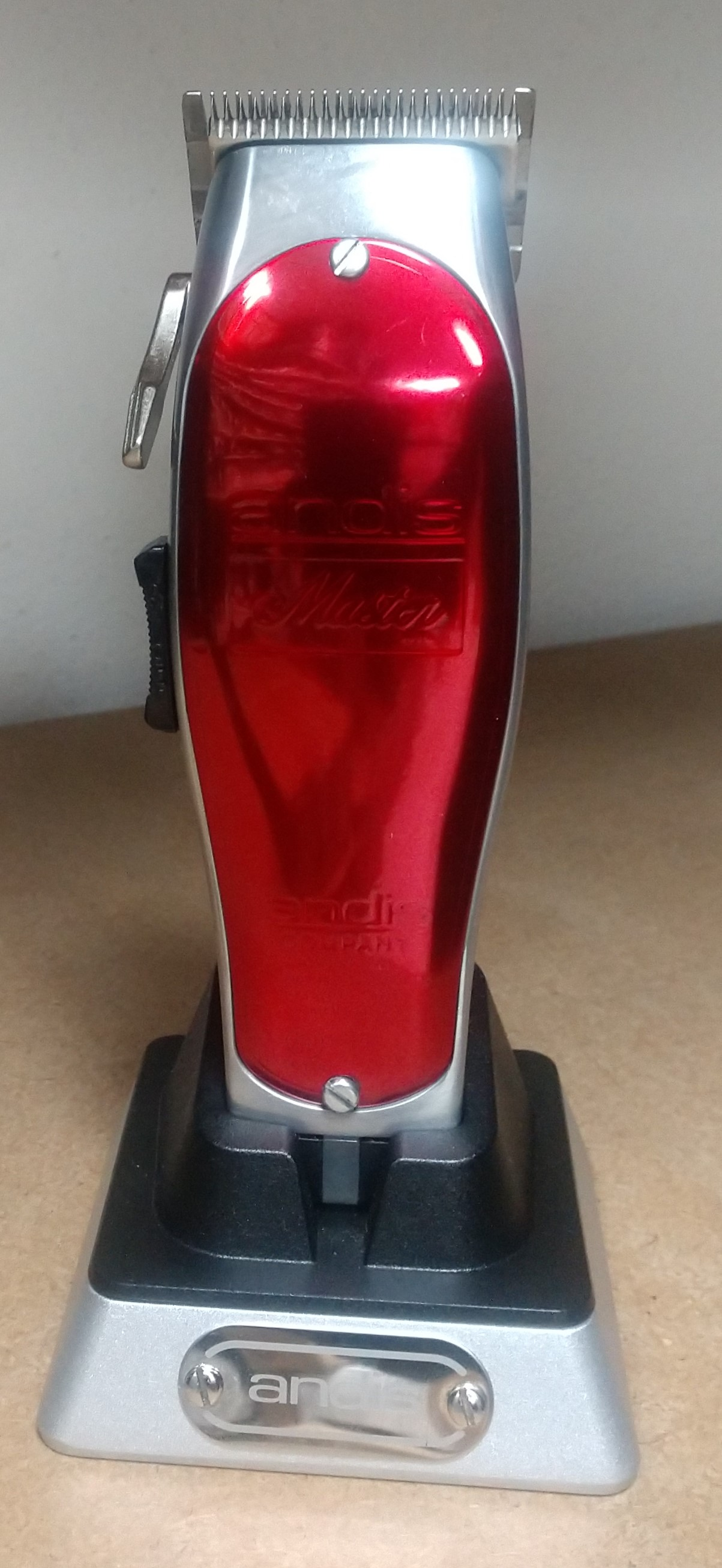 Andis Cordless Master w/Lithium-Ion Bat. RED Super Cl 12470RSC