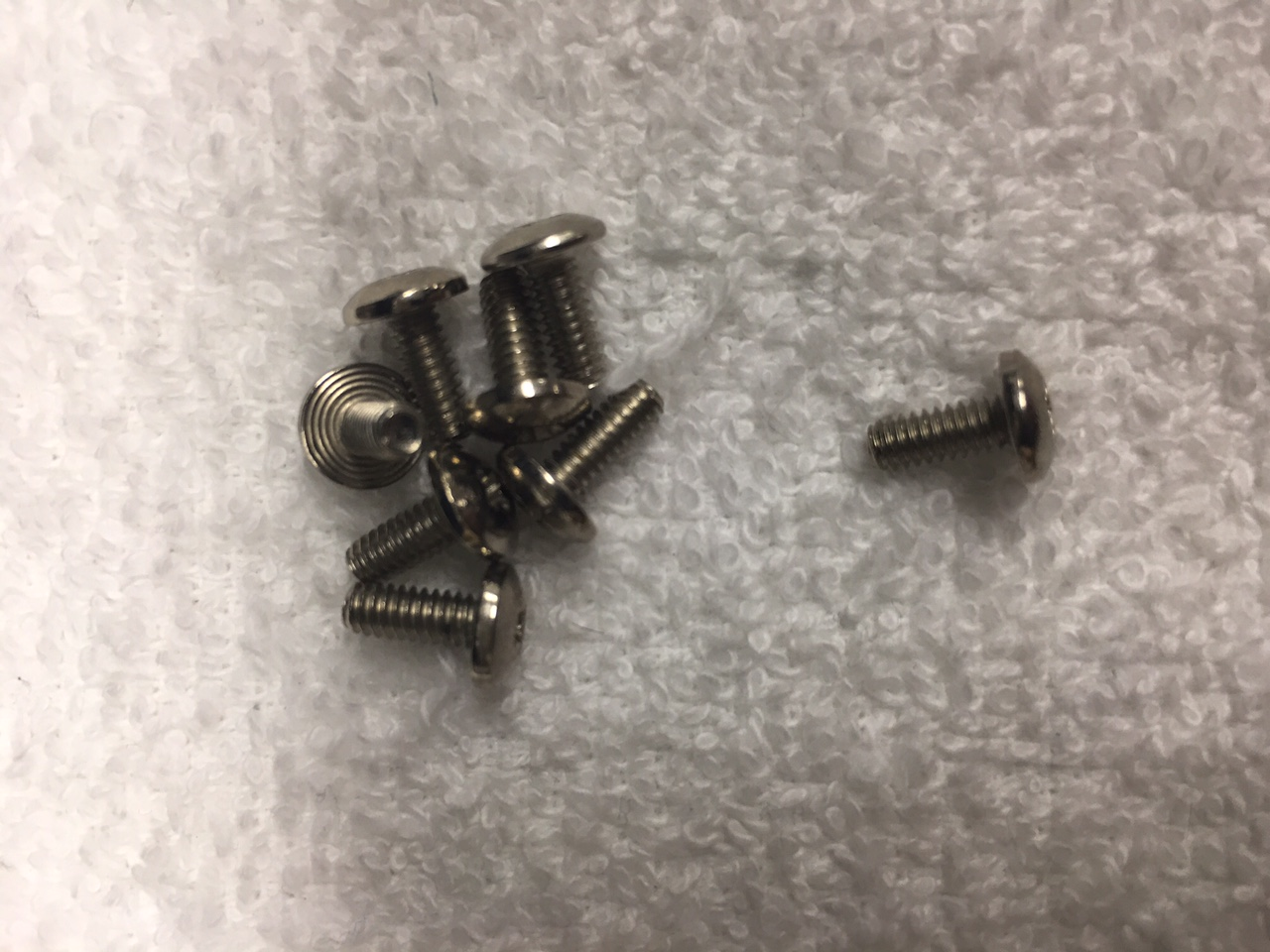 Andis Outliner Blade Screw - 329